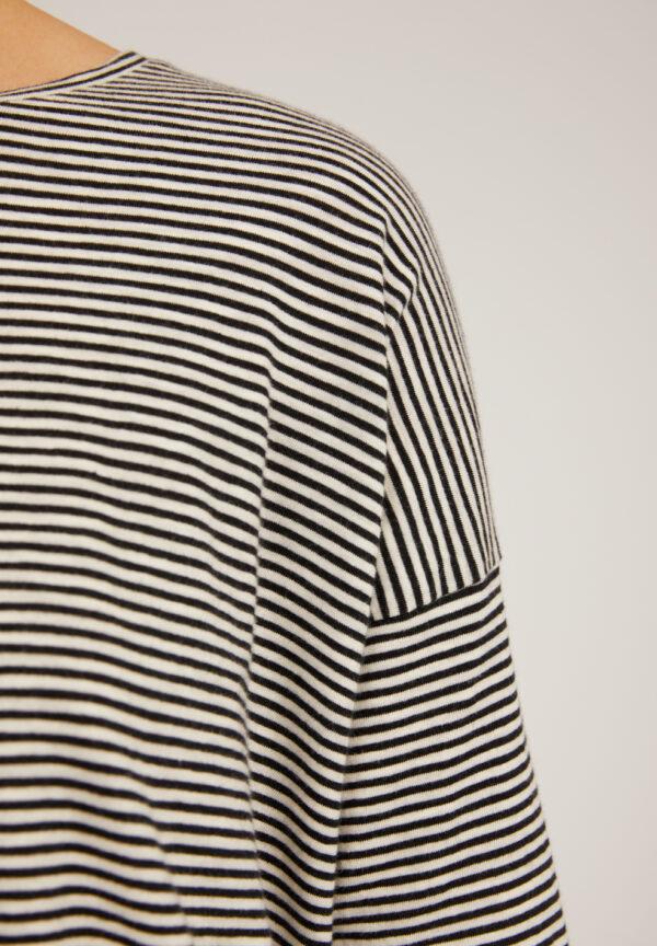 siaa pretty stripes black oatmilk 03